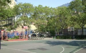 The basketball courts at Asser Levy Park in Gramercy.